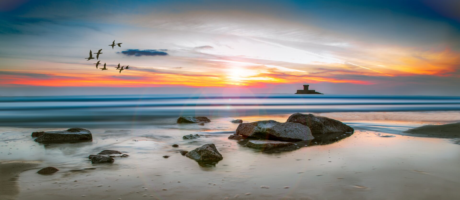 sea-rocks-surrounded-by-body-of-water-high-saturated-639078